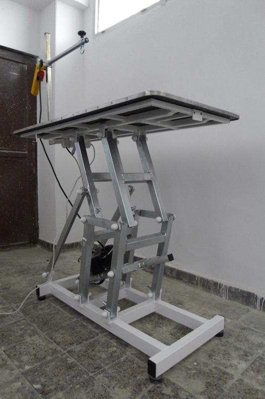 Elektrický trimovací polohovateľný stôl 820a7bf7d66